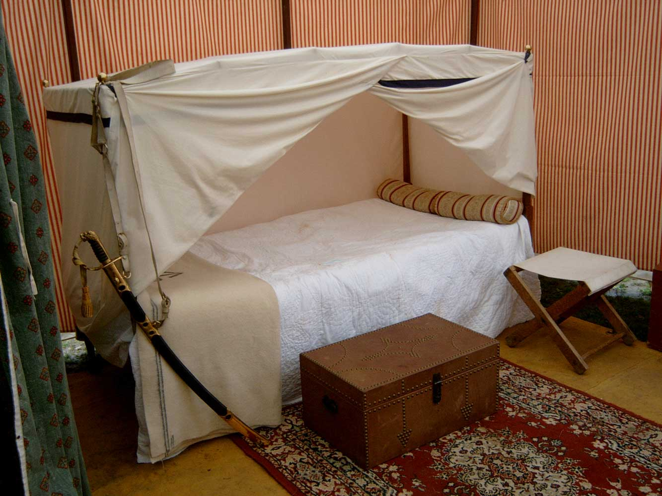General's Folding Campaign Bed